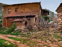 Mittelmeerhaus des alten Dorfs Lizenzfreie Stockbilder