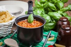 Mittelmeermahlzeitvorbereitung Lizenzfreie Stockfotos