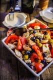 Mittelmeersalat lizenzfreies stockfoto
