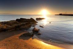 Mittelmeersonnenaufgang stockbild