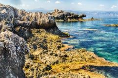 Mittelmeerstrand in Milazzo, Sizilien Lizenzfreies Stockfoto