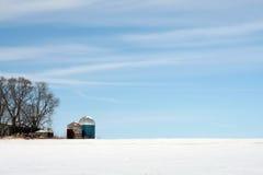Mittelwesten-Ackerland im Winter Stockbilder