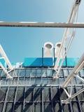 Mitten Pompido, ledar- stycke av deconstructionarkitekturen i paris royaltyfria foton