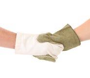 2 mittens рук в встряхивании руки. Стоковые Фотографии RF