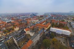 Mitteskyline-Stadtansicht Kopenhagens Christianshavn am Herbst stockbild