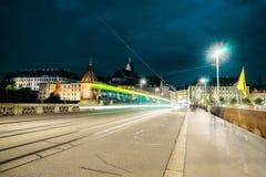 Mittlere bro i Basel på natten Fotografering för Bildbyråer
