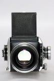 Mittlere Formatkamera mit Objektiv frontview Lizenzfreies Stockfoto
