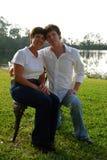 Mittlere gealterte Mutter mit erwachsenem Sohn Lizenzfreie Stockfotografie