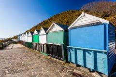 Mittlerer Chine Beach Huts Dorset Lizenzfreies Stockbild
