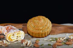 Mittlerer Herbstmondkuchen Stockbild