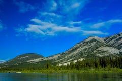 Mittlerer See, Bogen-Tal-provinzieller Park, Alberta, Kanada Stockfotografie
