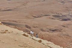 Mitzpe Ramon, 02 December 2016: Children on a cliff, Negev desert, Israel stock images