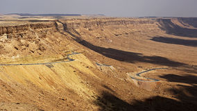 Mitzpe Ramon krater, Negev öken, Israel Arkivfoton