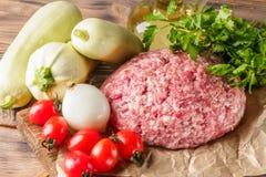 Mixe da carne à terra triturou a carne e a carne de porco fotos de stock