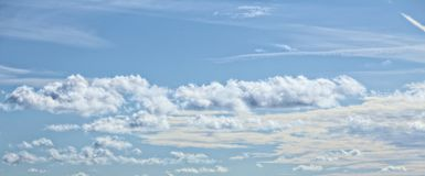 Mixed cloudscapes on blue sky on a sunny day Royalty Free Stock Photo