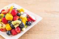 Mixed fresh fruits (strawberry, raspberry, blueberry, kiwi, mang Royalty Free Stock Photos