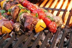 Free Mixed Meat And Vegetables Kebabs On Charcoal Barbeque Grill Royalty Free Stock Image - 54028136