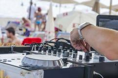Mixette del DJ sulla spiaggia Fotografie Stock