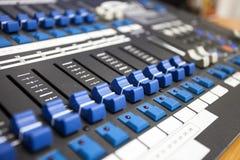 Mixeur son de contrôle de boutons Image libre de droits
