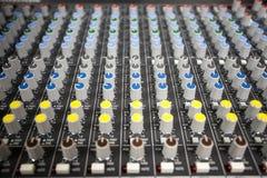 Mixeur son de contrôle de boutons Photos libres de droits