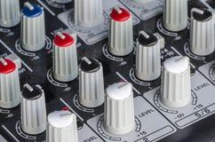 Mixeur son de contrôle de boutons Image stock