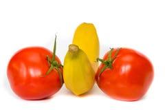 Mixure fresco de frutas y verduras con el fondo blanco Imagen de archivo