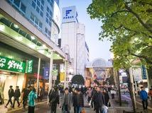 Miyagi, Japão 16 de abril de 2018: passeio cantado na avenida de Jozenji-dori Imagem de Stock Royalty Free