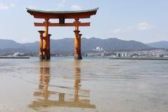 Miyajima большое Torii Стоковые Изображения