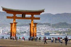 Miyajima, Sławny duży Sintoizm torii zdjęcie royalty free