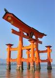 Miyajima Torii bei Ebbe Lizenzfreie Stockfotografie
