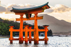 Miyajima Torii port, Japan Arkivfoto