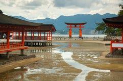Miyajima utfärda utegångsförbud för på Hiroshima Arkivfoto