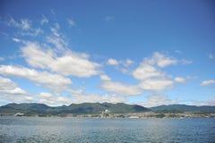Miyajimaguchi en de Baai van Hiroshima Royalty-vrije Stock Foto's