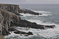 Mizen头海岸线在多暴风雨的天气的 免版税库存图片