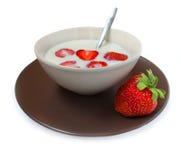 mjölka den plaska jordgubben Royaltyfri Bild