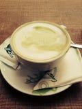 Mjölka grönt te Royaltyfri Fotografi
