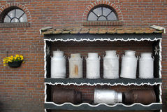 mjölka krukan Arkivbild
