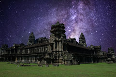 Mjölkaktig väg i Angkor Wat, Siem Reap, Kambodja Royaltyfria Bilder