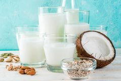 Mjölkar alternativt icke-mejeri för strikt vegetarian arkivfoto