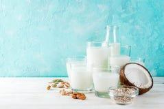Mjölkar alternativt icke-mejeri för strikt vegetarian arkivfoton