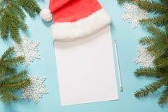 Mjölkar den tomma tomma bokstaven för jul för Santa Claus med, kakor Bästa sikt och utrymme för din text Lekmanna- lägenhet Arkivbilder