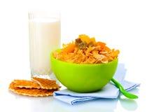 mjölkar glass green för bunkecornflakes smakligt Royaltyfria Foton