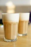 Mjölka kaffe Arkivfoto
