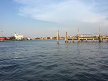Mjuk blå himmel med floder Royaltyfri Foto
