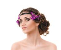 Mjuk kvinna med den flätad tråden för hår Royaltyfria Foton