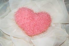 Mjuk leksak-hjärta för St-valentindag Arkivfoton