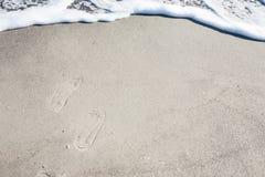 Mjuk våg av Black Sea på den sandiga stranden royaltyfri fotografi