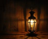 Mjukt ljus av stearinljuslyktan Royaltyfri Foto