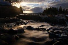 Mjukt vatten, korsstenar Arkivfoto