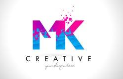 Mk M K Letter Logo avec la texture rose bleue cassée brisée Desig Images stock